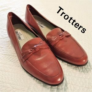 "TROTTERS ""Relate"" Saddle Tan Loafers Size 12N NWOT"